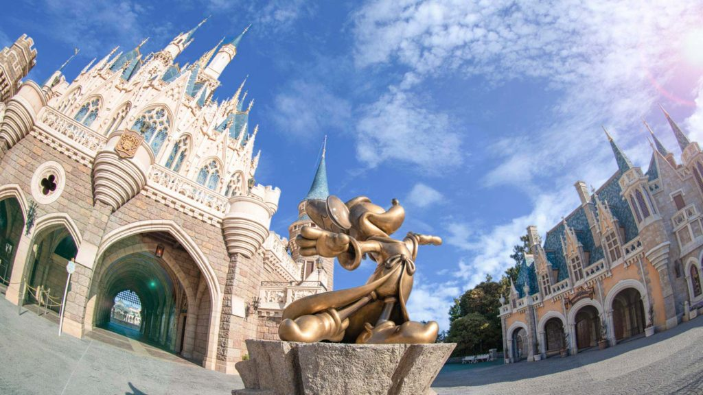 AUDITION DANCERS AND AERIALISTS FOR TOKYO DISNEY® RESORT